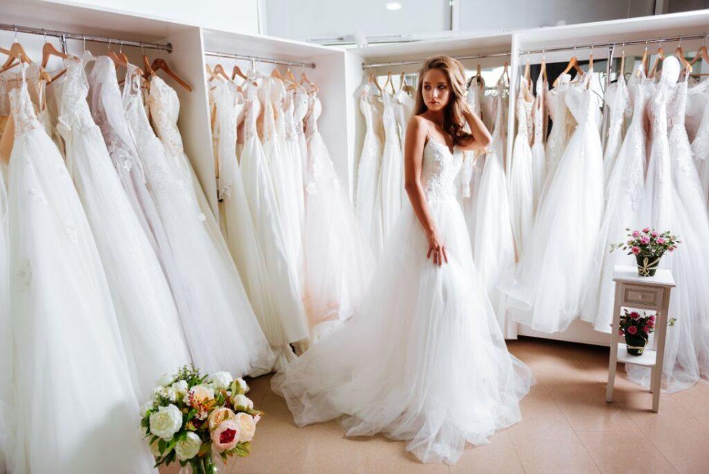 Suknia ślubna szyta na miarę przez krawcową