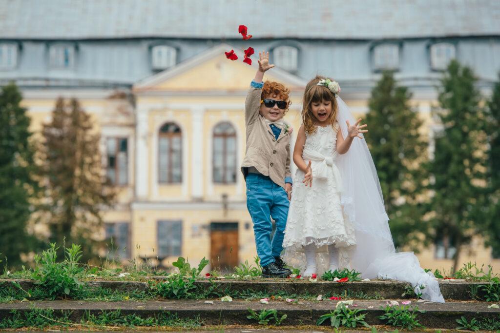 Niania na wesele do opieki nad dziećmi. Dlaczego warto zdecydować się na to rozwiązanie?