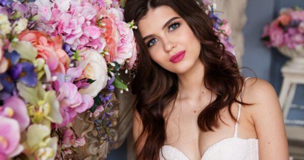 Czego oczekiwać od fryzury i makijażu ślubnego?