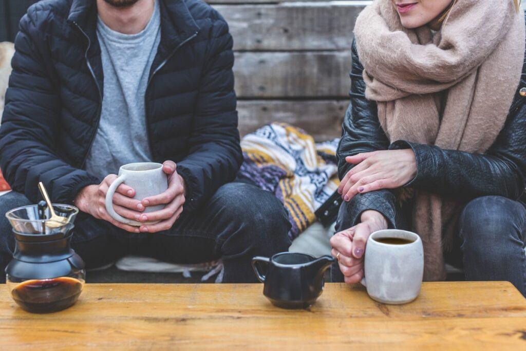 15 rzeczy, które każda para powinna zrobić zimą