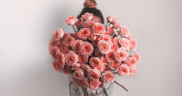 Znaczenie kwiatów - jakie uczucia możemy przekazać za ich pomocą?