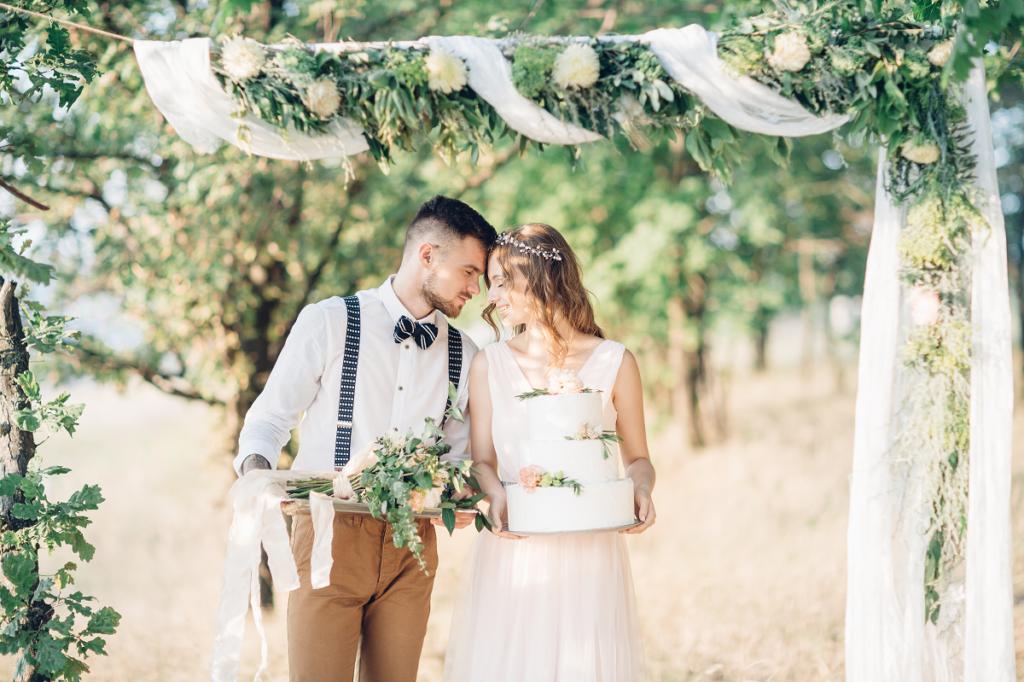 Życzenia ślubne składane parze młodej po ceremonii zaślubin