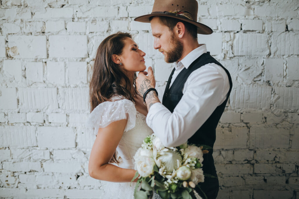 Jak zorganizować rustykalne wesele 💚? Poznaj ten styl od podszewki!