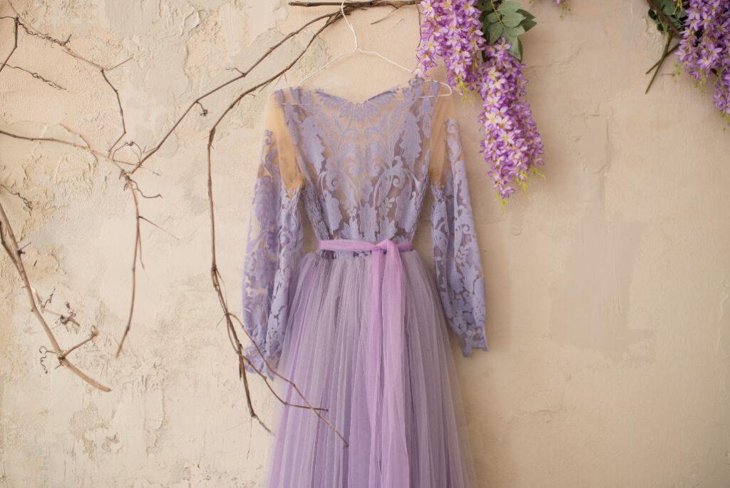 Sukienka na poprawiny dla młodej w kolorze lawndowym