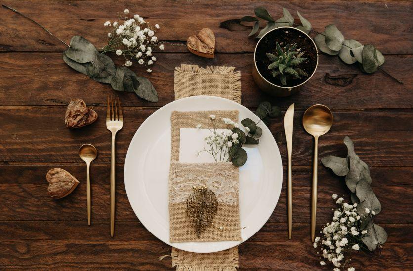 Rustykalne wesele zastawa