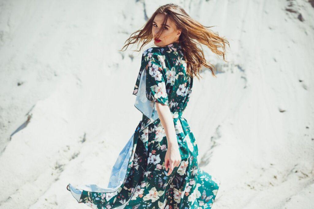Zwiewna sukienka na poprawiny dla młodej