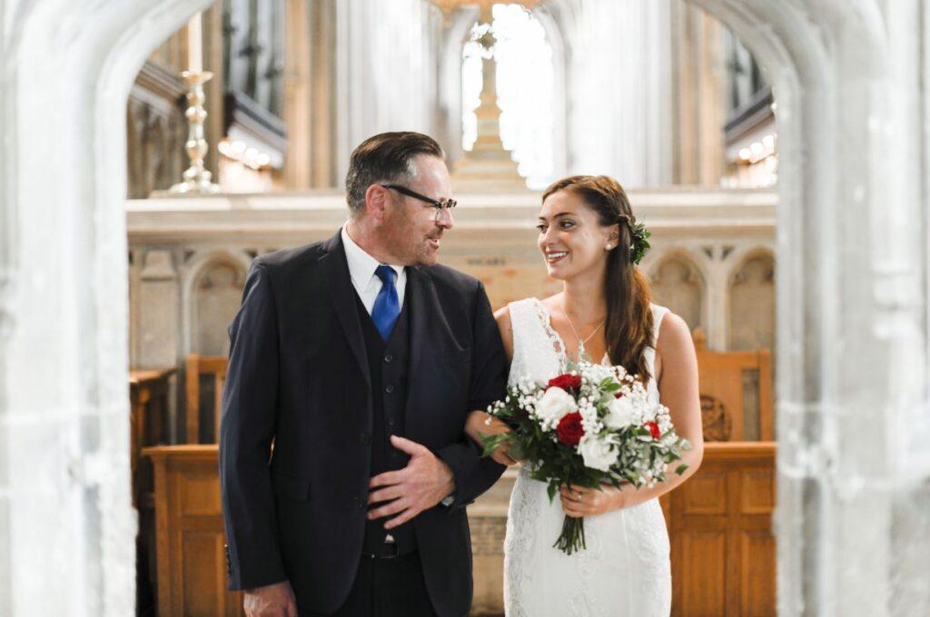 Najpiękniejsze czytania na ślub 📖. Które z nich pasuje do waszej ceremonii?