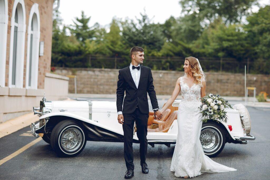 Dekoracja samochodu na ślub