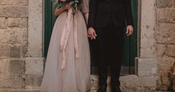 Zwiewna suknia ślubna - wybierz lekką i romantyczną stylizację na ślub