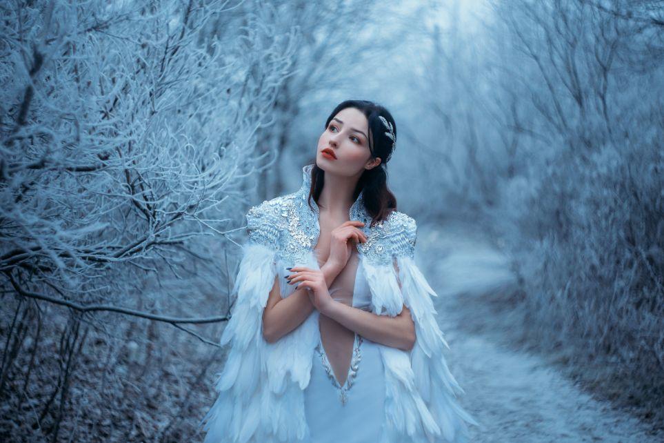Okrycia wierzchnie do sukni ślubnej peleryna
