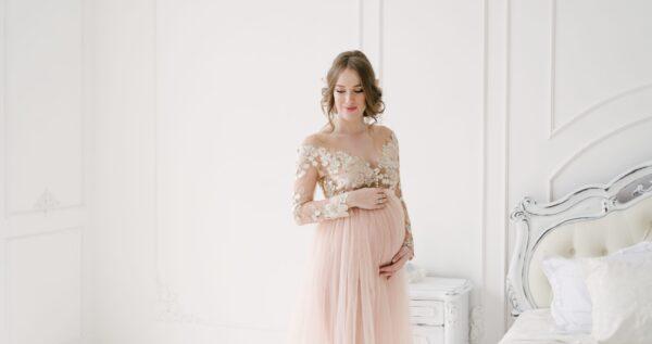 Ślub w ciąży 🤰? Jaką suknię ślubną wybrać?