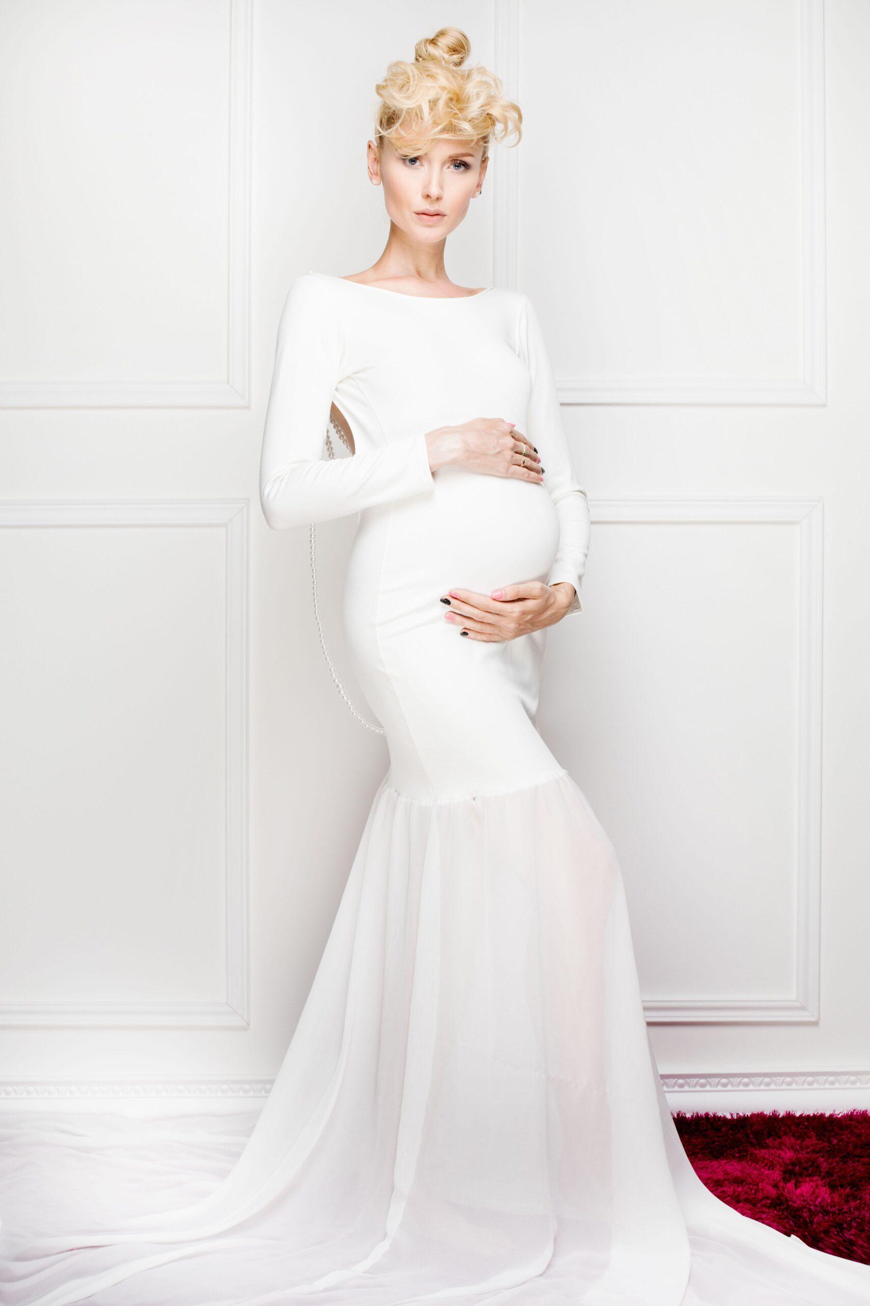 Suknia ślubna ciążowa z długim rękawem