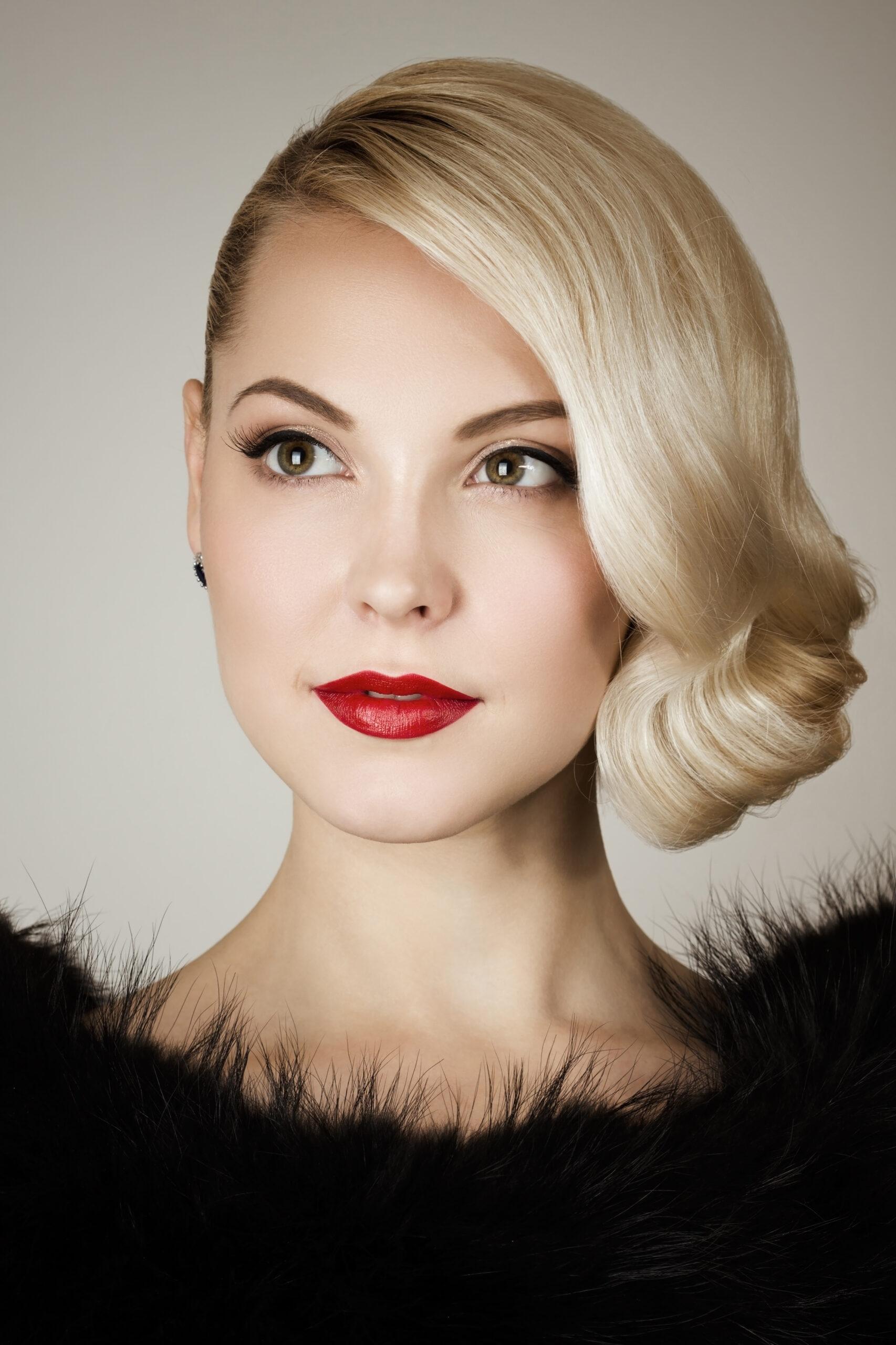 fryzura na wesele krótkie włosy uczesanie retro