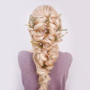 warkocz grecki w formie fryzury na wesele