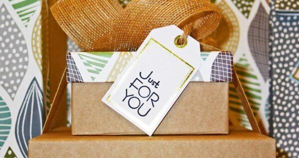 Nie wiesz, jaki prezent kupić mężczyźnie? Sprawdź nasze podpowiedzi na każdą okazję!