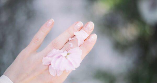 Co to jest manicure japoński i jaka jest jego cena? Sprawdź!