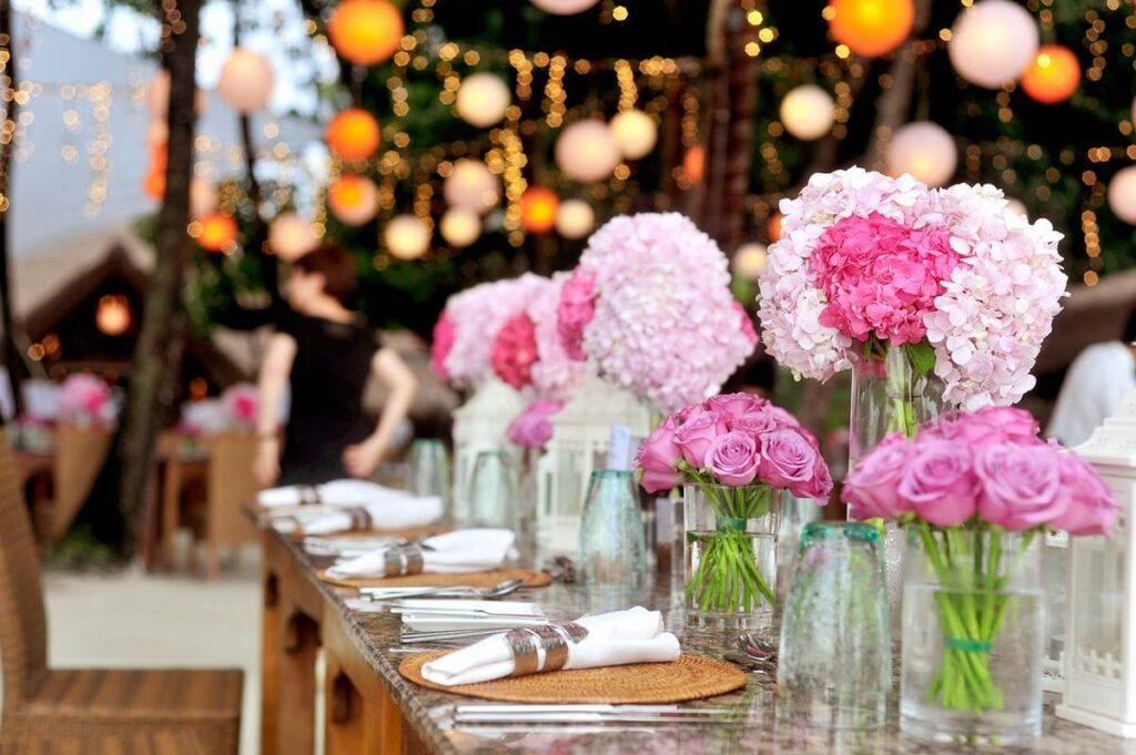 Przypinki weselne – wszystko, co warto o nich wiedzieć!