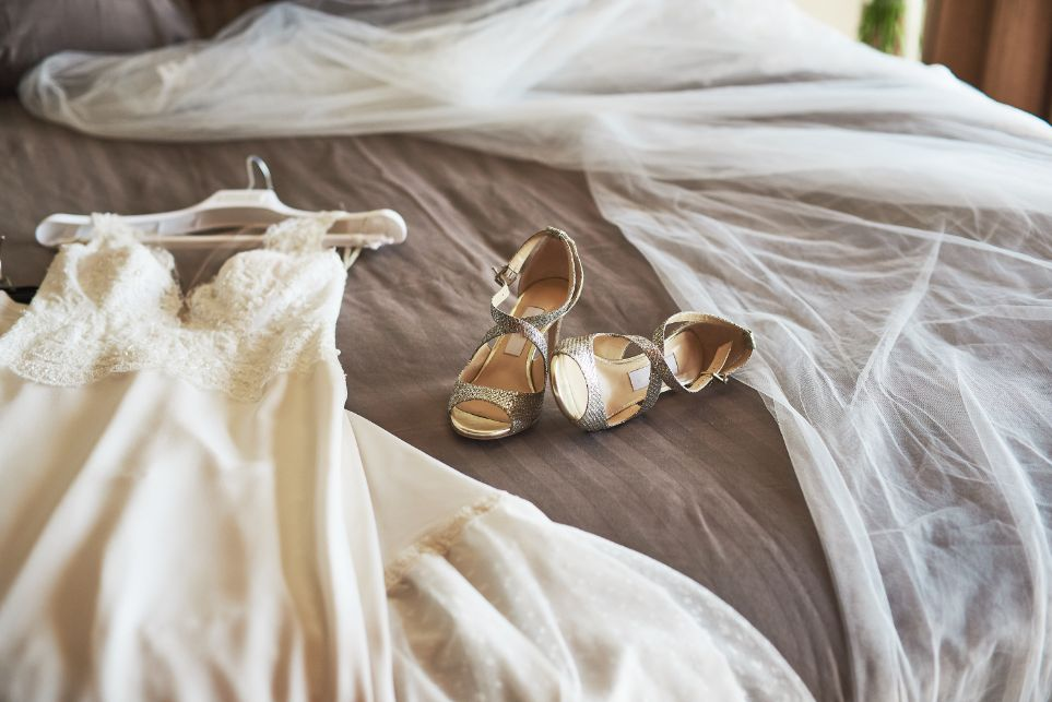 Ślubne buty taneczne w kolorze złotym