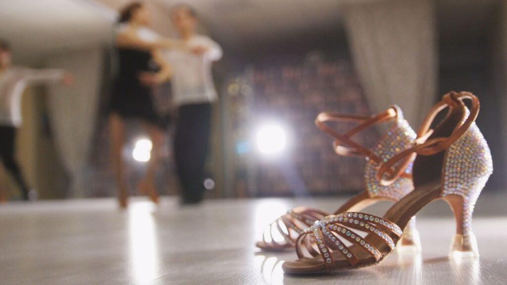 Buty ślubne do tańca z cekinami