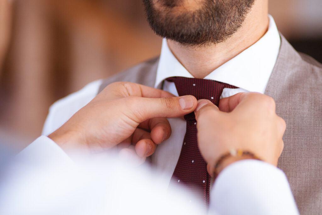 Kamizelka do garnituru – idealny dodatek ślubnej stylizacji Pana Młodego