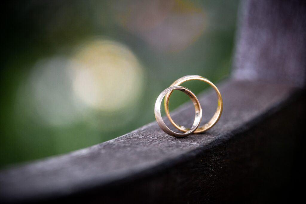 Zmiana grawera na obrączkach ślubnych