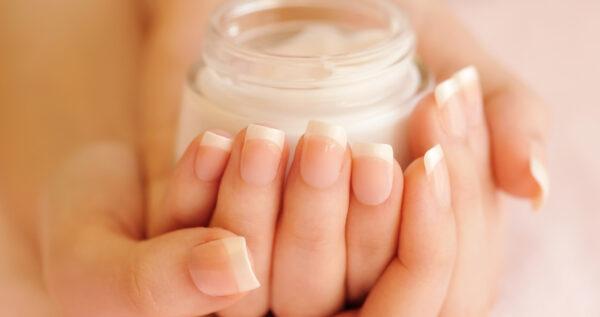 Parafina na dłonie - SOS dla suchej i zniszczonej skóry!