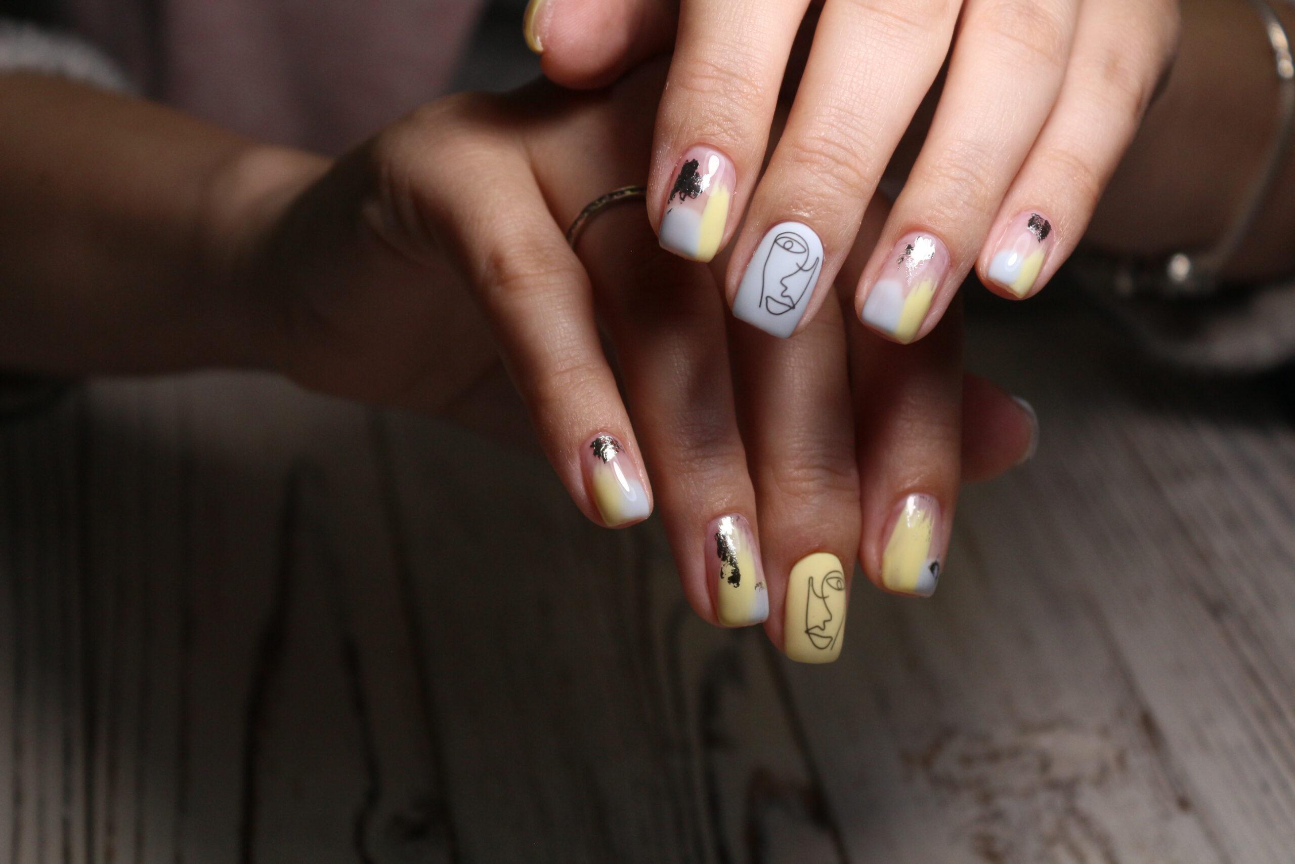 kolorowe paznokcie na ślub w oryginalny wzór