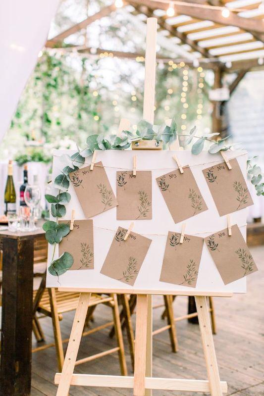 rustykalny plan stołów weselnych